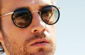 فواید عینک آفتابی : ۱۰ دلیل برای اثبات ضروری بودن عینک دودی