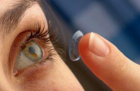 لنز چند ساعت باید در چشم باشد ؟ استفاده طولانی از لنز خطرناک است؟