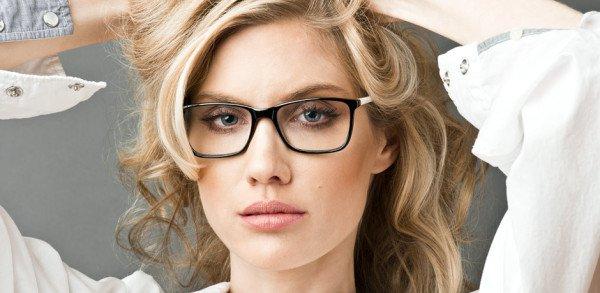 چگونه مدل عینک طبی برای صورت گرد را به درستی انتخاب کنیم؟