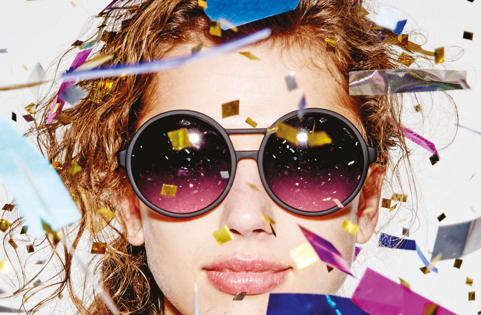 داستان عینک کومونو : ترکیبی منحصر بفرد از نگاه و زمان