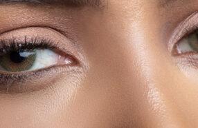 با ۹ تا از بهترین برندهای لنز رنگی در جهان آشنا شوید
