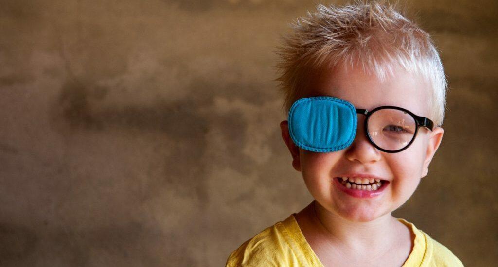با تنبلی چشم (Amblyopia) و راههای درمان آن آشنا شوید