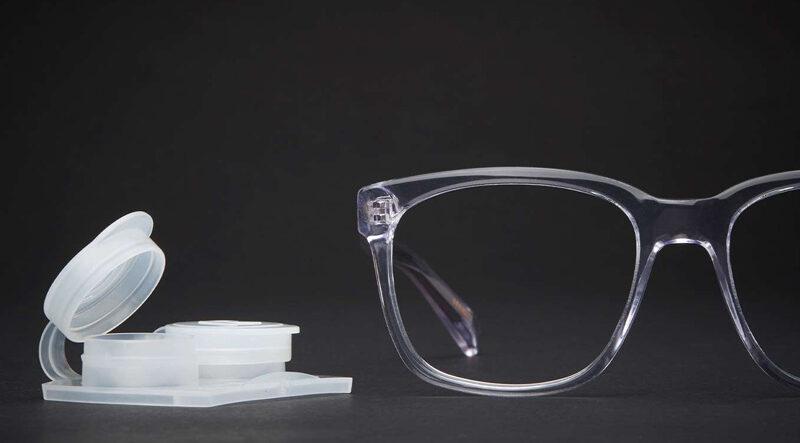 لنز طبی یا عینک طبی ؛ کدام بهتر است؟