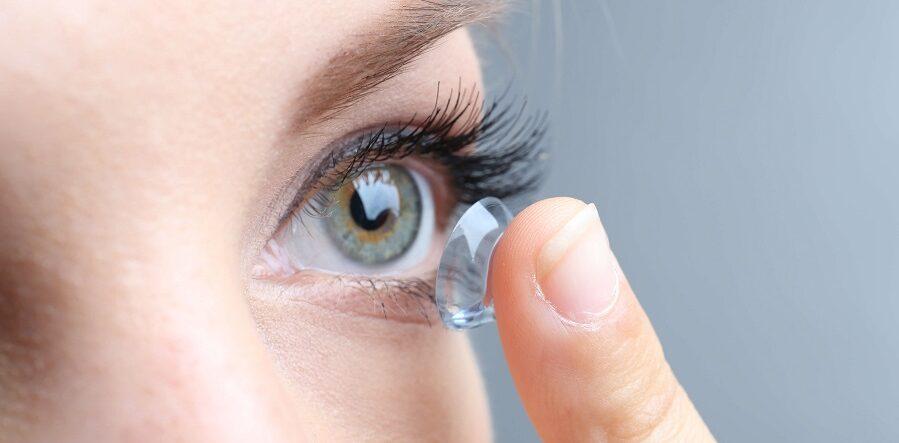 لنزهای تماسی چشم چگونه کار میکنند؟