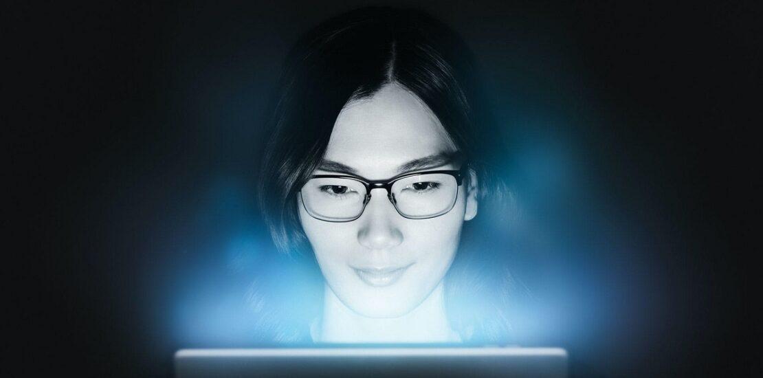 عینک بلوکات زایس بهترین گزینه برای کار با کامپیوتر است
