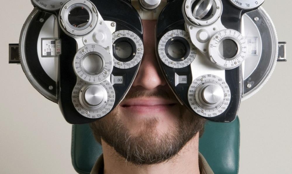 نسخه عینک طبی را چگونه خودمان در خانه بخوانیم؟