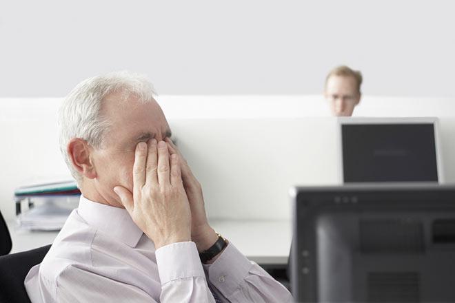 با این ۶ راهکار خستگی چشم با کامپیوتر را برطرف کنید