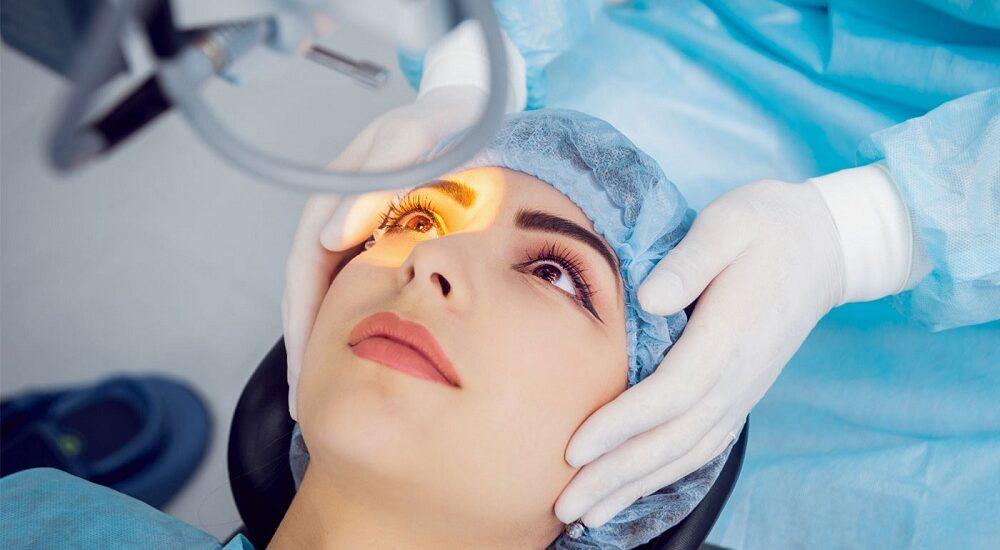 علت کاهش دید بعد از عمل جراحی آب مروارید چیست؟