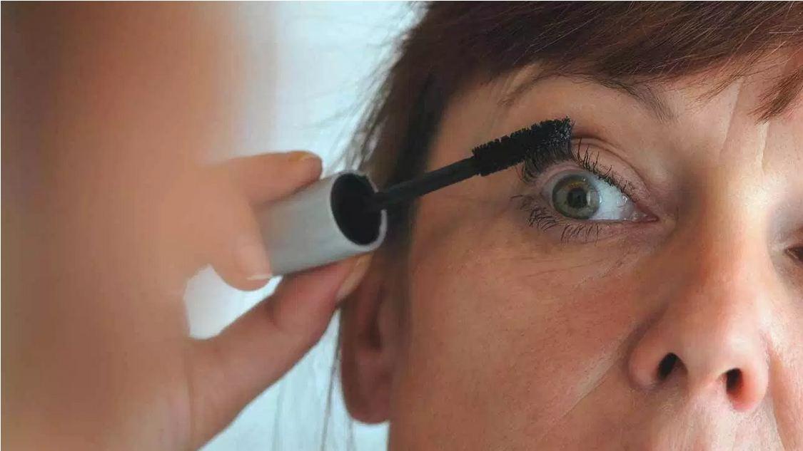 محصولات آرایشی چگونه عفونت یا حساسیت ایجاد میکنند؟
