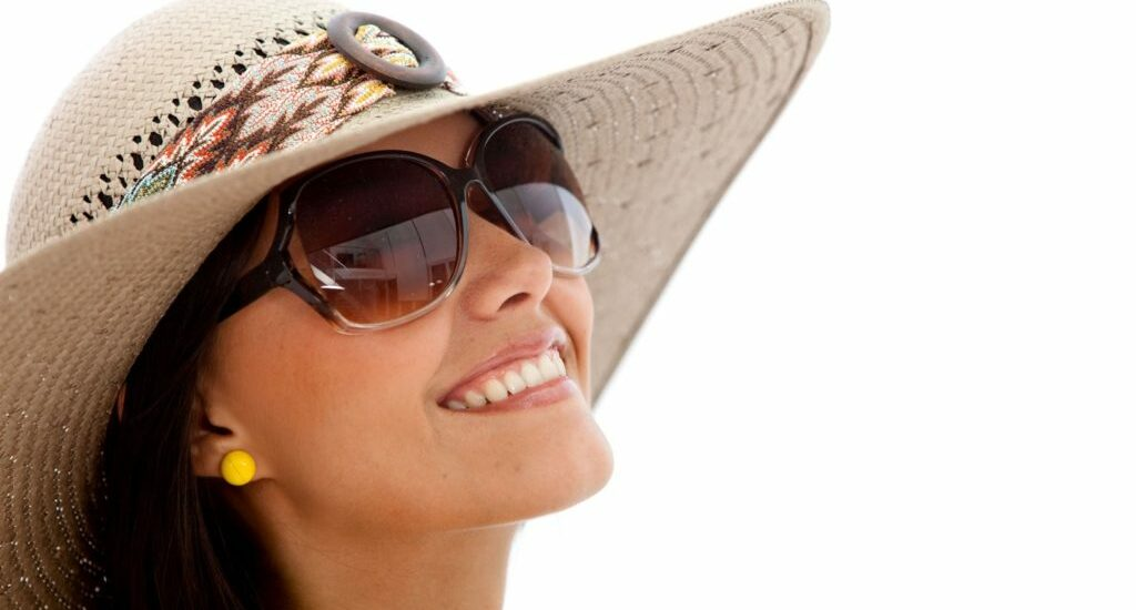 ۱۰ تصور رایج و اشتباه در مورد عینک های آفتابی که به چشم هایتان آسیب می رسانند