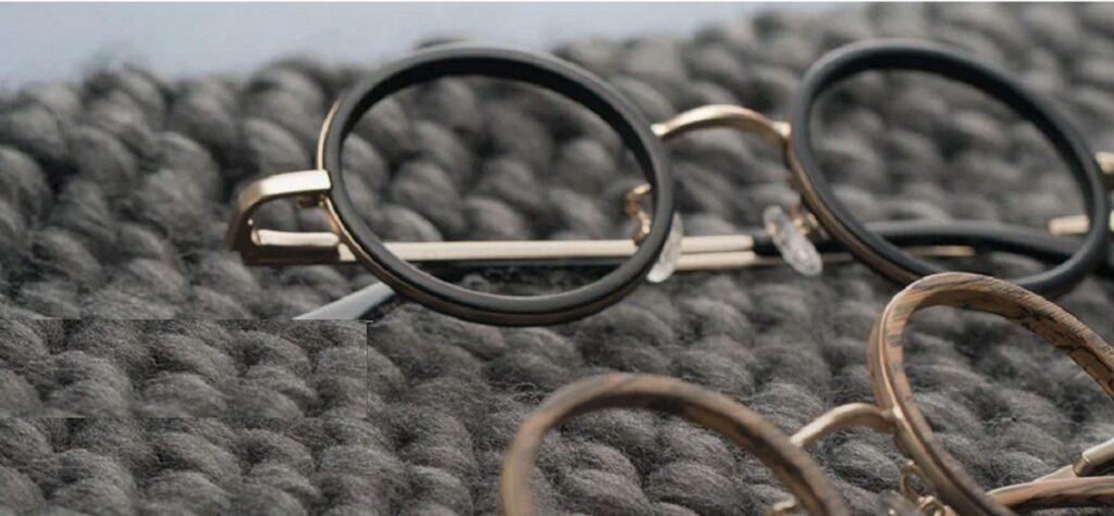 از بین بردن خط و خش شیشه عینک