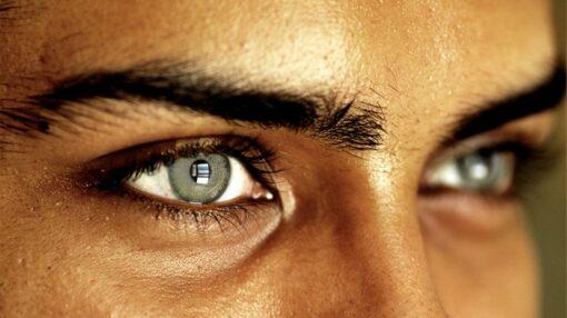 عمل تغییر رنگ چشم در ایران انجام میشود؟ میتوان رنگ چشم را بدون لنزهای رنگی تغییر داد؟