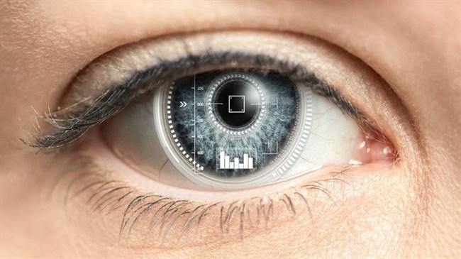 تفاوت بین لنزهای تماسی روزانه و ماهانه چیست؟