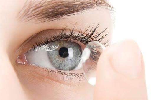 قیمت لنز طبی دائمی و راهنمای خرید آن