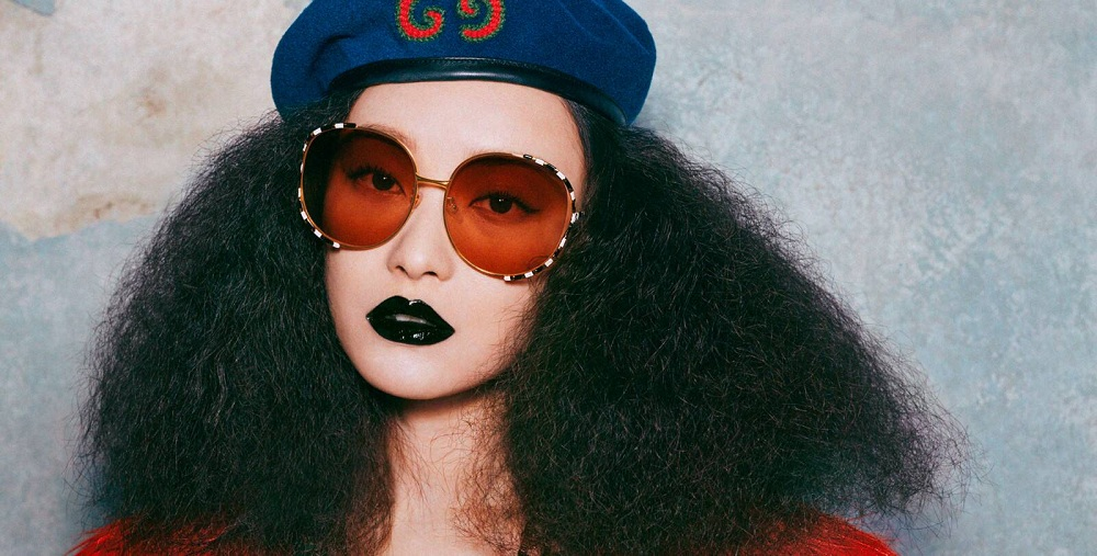 معرفی ۹ برند مشهور عینک آفتابی زنانه که محصولاتشان بسیار شیک است