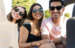 هر آنچه در مورد طبی کردن عینک آفتابی باید بدانید