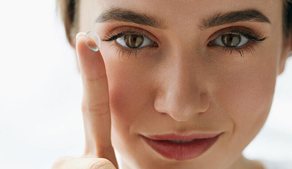 با این ۶ روش متوجه خواهید شد که لنز را برعکس در چشم گذاشتهاید