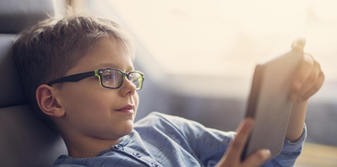 با مزایا و معایب عینک طبی و باورهای غلط در مورد آن آشنا شوید