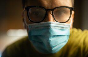 چگونه از بخار کردن عینک هنگام استفاده از ماسک جلوگیری کنیم؟