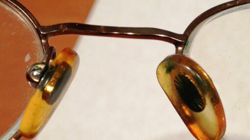 پد عینک طبی را چگونه تمیز و ضدعفونی کنیم؟