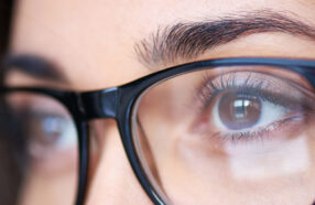 قبل از انتخاب عینک حتما به شکل «ابرو»های خود توجه کنید