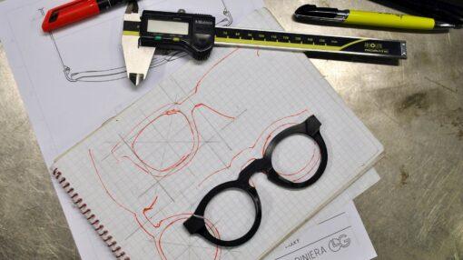 عینک آفتابی چگونه ساخته می شود؟