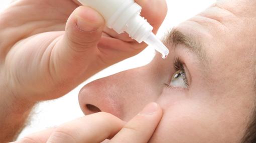 چگونه در چشم قطره بریزیم که در تمام صورت پخش نشود؟