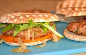 ساندویچ برگر بوقلمون بهترین گزینه برای تقویت بینایی